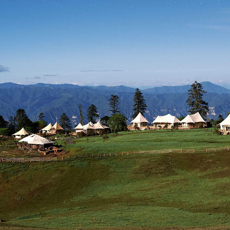 Multi-peak luxury resort tent for an unforgettable living experience